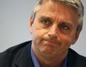 El CEO de EA, John Riccitiello, dimite